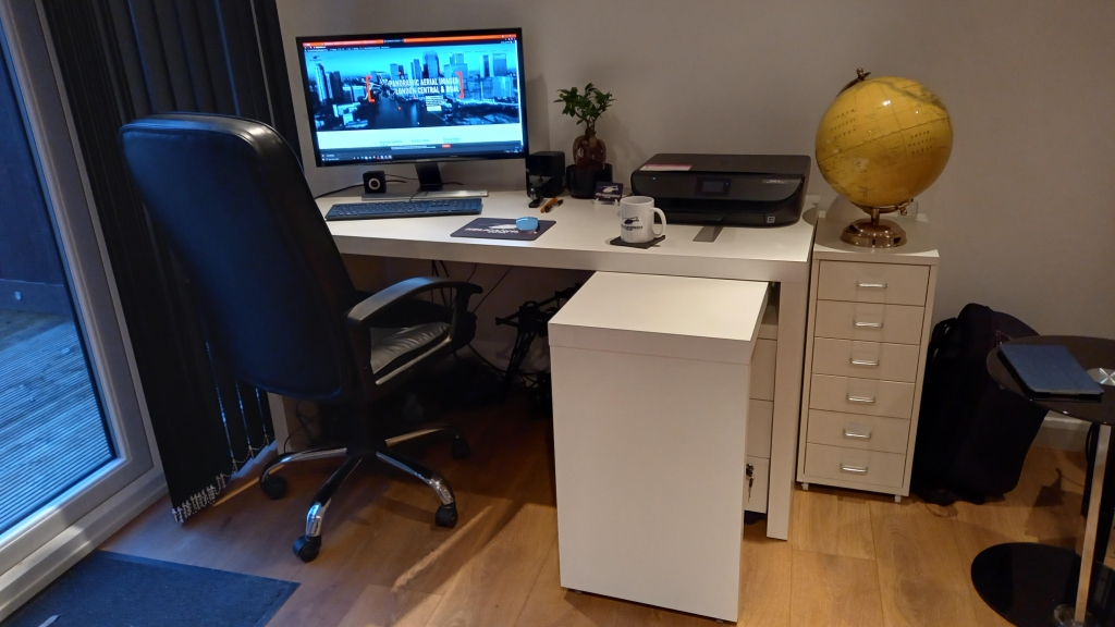 White Office furniture for your home office ikea
